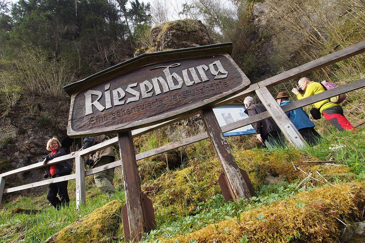 2015 DAV Suhl Höhlenwanderung Fränkische Schweiz Riesenburg (Foto: Andreas Kuhrt)