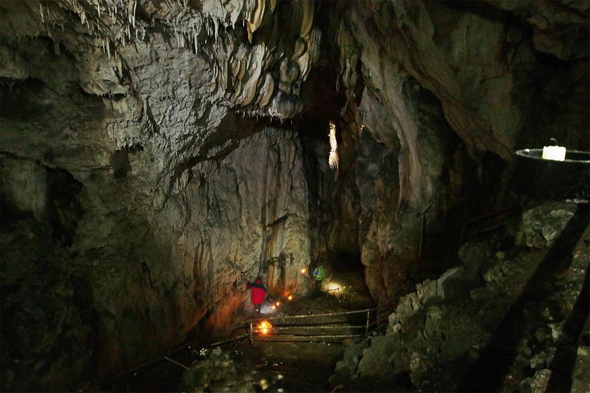 2015 DAV Suhl Höhlenwanderung Fränkische Schweiz Rosenmüllerhöhle (Foto: Andreas Kuhrt)