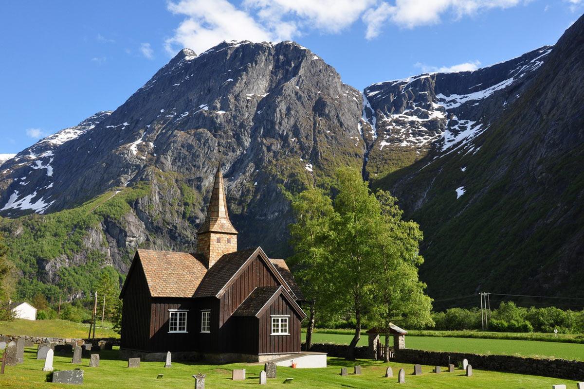 Stabkirche in Südnorwegen . Norwegen (Foto: Klaus Wahl 2016)