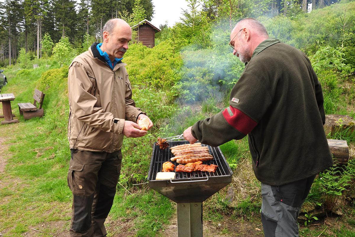Bräteln an der Oberhofer Hütte (Foto: Klaus Wahl 2016)