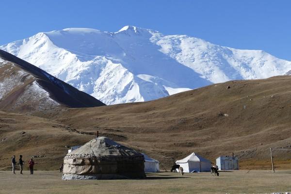 """Reisevortrag Stefan Ebert """"Kirgistan und Tadschikistan – Outdoorabenteuer in Zentralasien"""""""