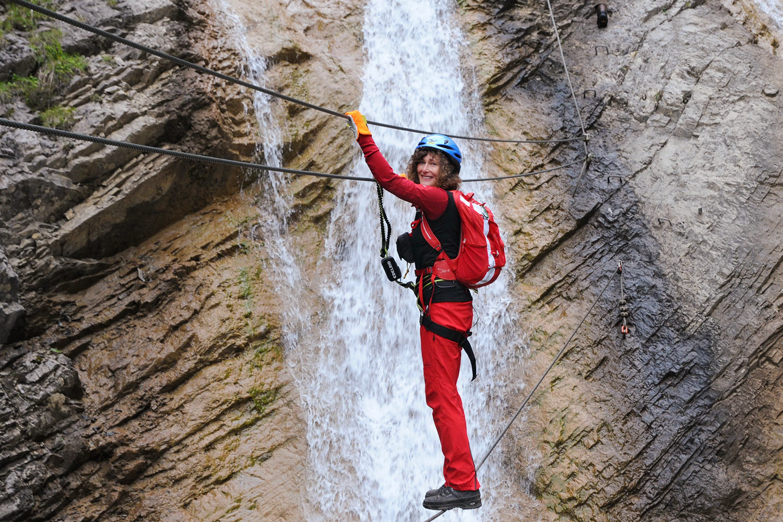 Martina auf dem Millnatzenklamm-Klettersteig . Klettersteigtour Lesachtal 2017