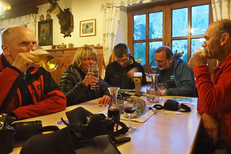 Abends im Gasthaus Hallerangeralm . Karwendel (Foto: Andreas Kuhrt 2017)