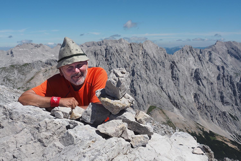 Klaus Wahl auf der Speckkarspitze . Karwendel (Foto: Manuela Hahnebach 2017)