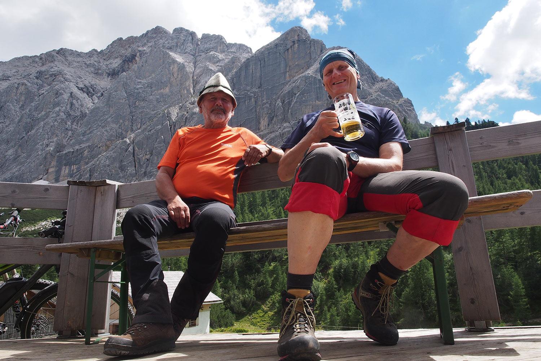 Klaus & Robert an der Hallerangeralm . Karwendel (Foto: Andreas Kuhrt 2017)