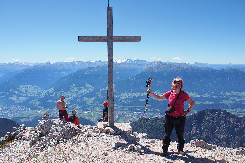 Manuela auf der Speckkarspitze (2621 m) . Karwendel (Foto: Andreas Kuhrt 2017)