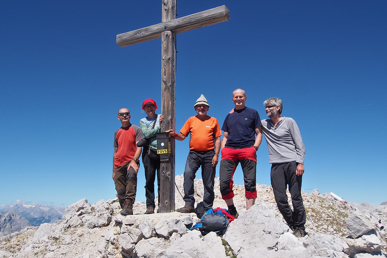 Udo, Manuela, Klaus, Robert & Andreas auf der Speckkarspitze (2621 m) . Karwendel (Foto: Andreas Kuhrt 2017)