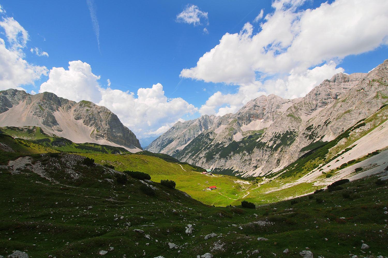 Blick zur Pfeishütte . Karwendel (Foto: Andreas Kuhrt 2017)
