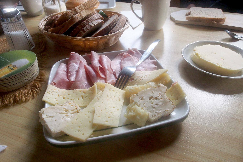 Frühstück auf der Möslalm . Karwendel (Foto: Andreas Kuhrt 2017)