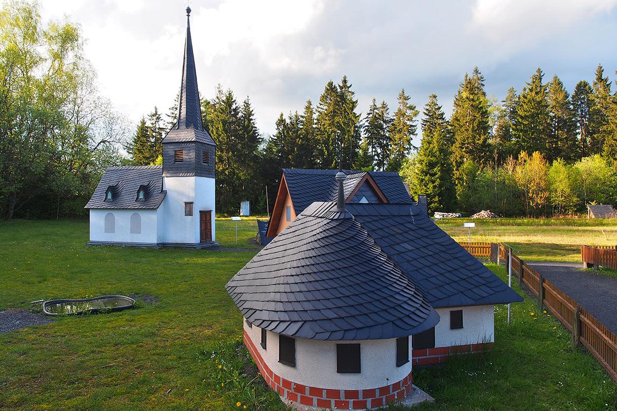 Dachdeckerhäuschen im technischen Denkmal . Frühlingswanderung im Schieferpark Lehesten (Foto: Andreas Kuhrt 2017)