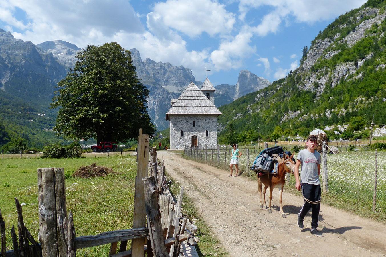 Theth in den Albanischen Alpen . Albanien 2018 (Foto: Klaus Rennert)
