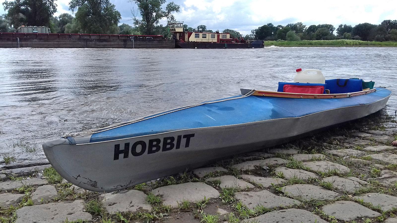 Hobbits letzte Reise: Paddeln auf der Elbe (Foto: Monika/Dietrich Schild)